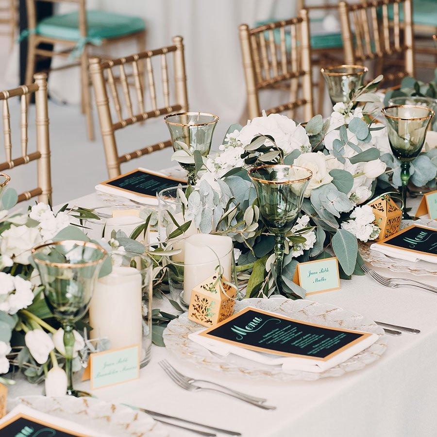 tavola imbandita per matrimonio